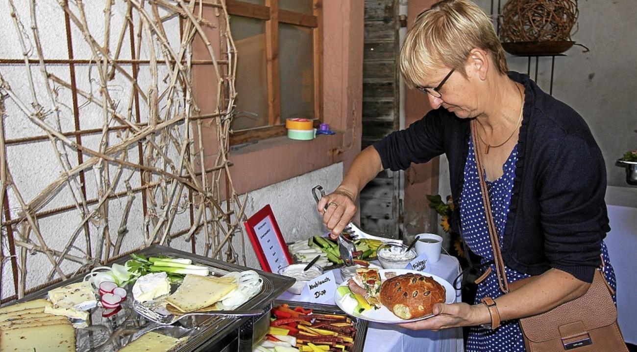 Reich gedeckt war der Tisch beim Landfrauen-Frühstück.  | Foto: Herbert Trogus