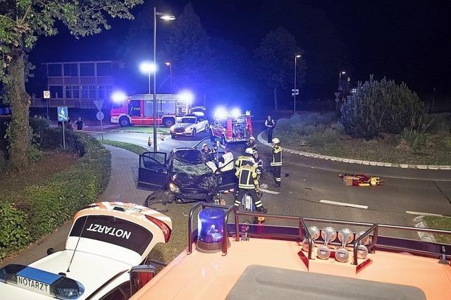 Schwerer Unfall am Kreisel