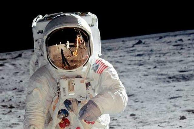 Warum eine Rückkehr des Menschen auf den Mond unvernünftig wäre