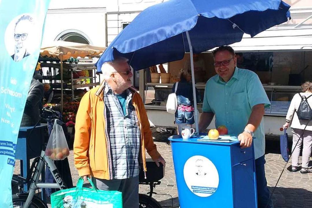 Wahlkampf unterm Sonnenschirm: Guido Schöneboom    Foto: Privat