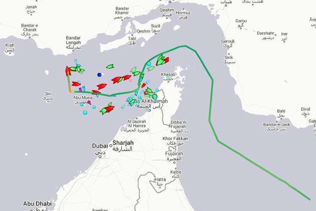 Der Screenshot der Webseite Marine Tra...en in Richtung Iran zu fahren scheint.  | Foto: Marinetraffic.Com (dpa)