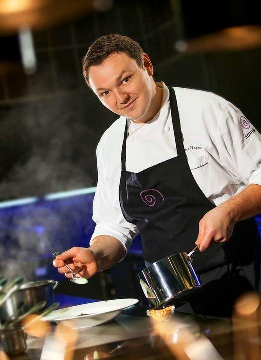 Peter Hagen-Wiest lebt seinen Traum: Er ist Zwei-Sterne-Koch im Europa-Park.  | Foto: Europa-Park