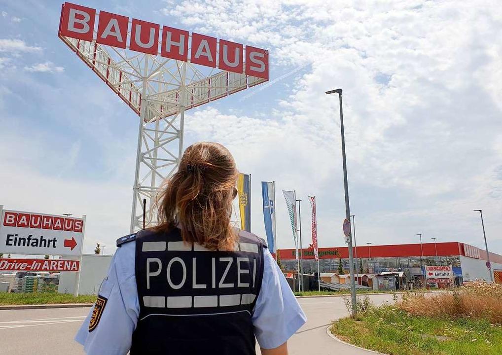 Noch sind die Details des Unglücks unklar, die Polizei ermittelt.  | Foto: Fabian Geier (dpa)