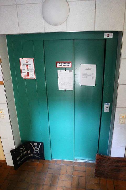 Im Juli fiel fast drei Wochen der Aufzug aus.  | Foto: Joshua Kocher