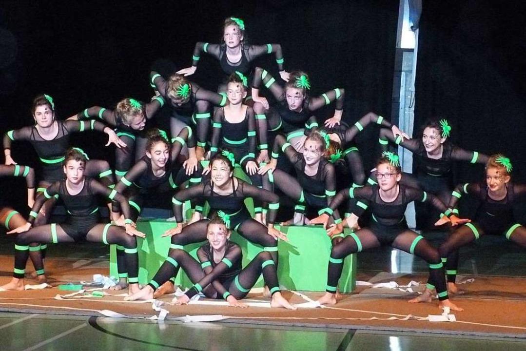 Mit Tanz und Akrobatik im Spinnengewan...r Förderriege des Turnverein Breisach.  | Foto: Christine Weirich