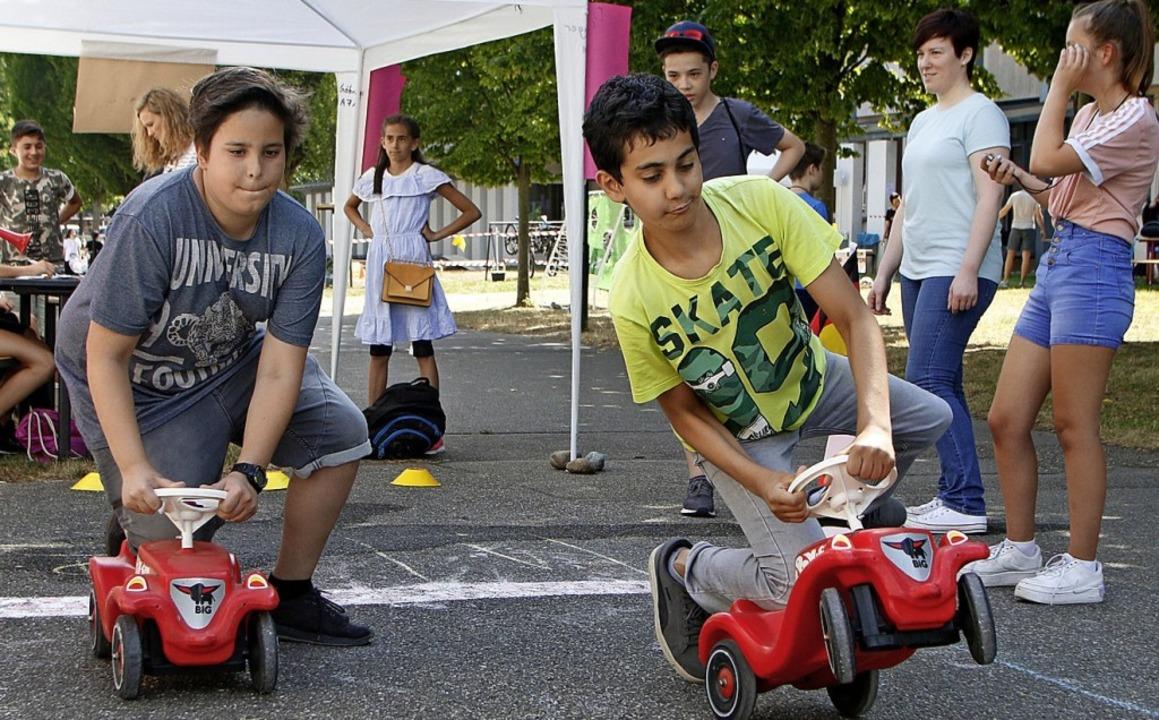 Früh übten sich angehende Formel-1-Fahrer auf Rutscheautos.  | Foto: Heidi Fößel