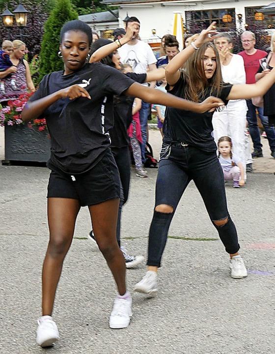 Die Tänzerinnen des Tanzzentrums Dance Energy Lörrach kamen gut an.  | Foto: Eva Korinth