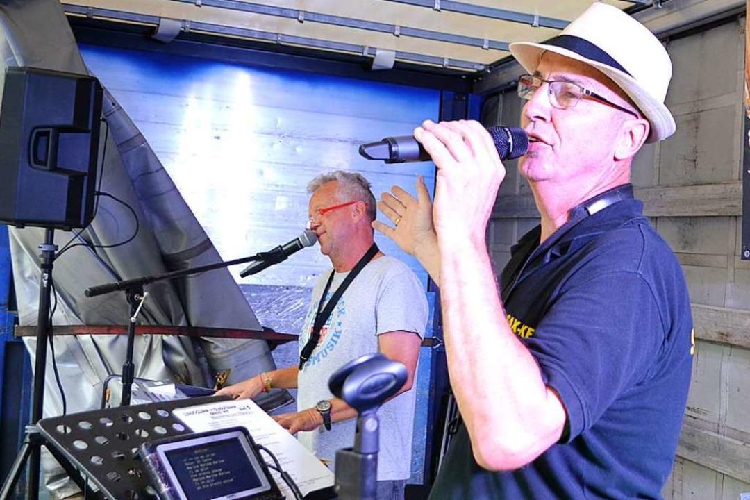 Sax & Key betraten am Freitag eine der zwei Bühnen.  | Foto: Paul Berger