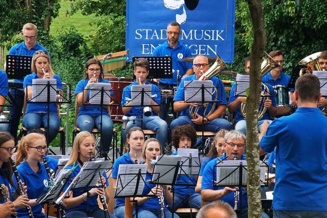 Das Sommerkonzert am Erleweiher war da...zte unter der Leitung von Fabio Croce.    Foto: Ilona Huege