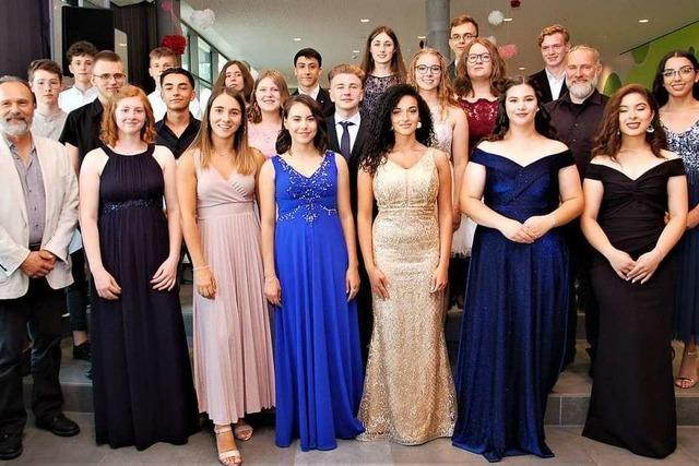 87 Schüler der Otto-Hahn-Realschule haben die Mittlere Reife in der Tasche