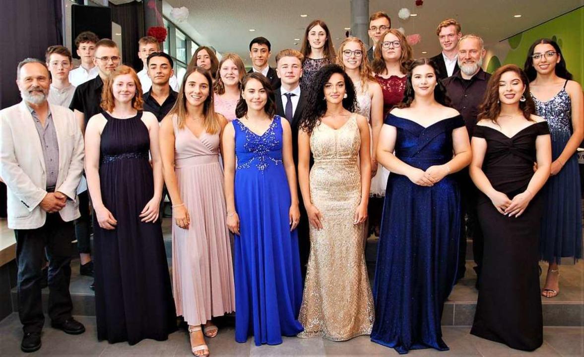 Alle 21 Preisträgerinnen und Preisträger der Otto-Hahn-Realschule.  | Foto: Wolfgang Beck