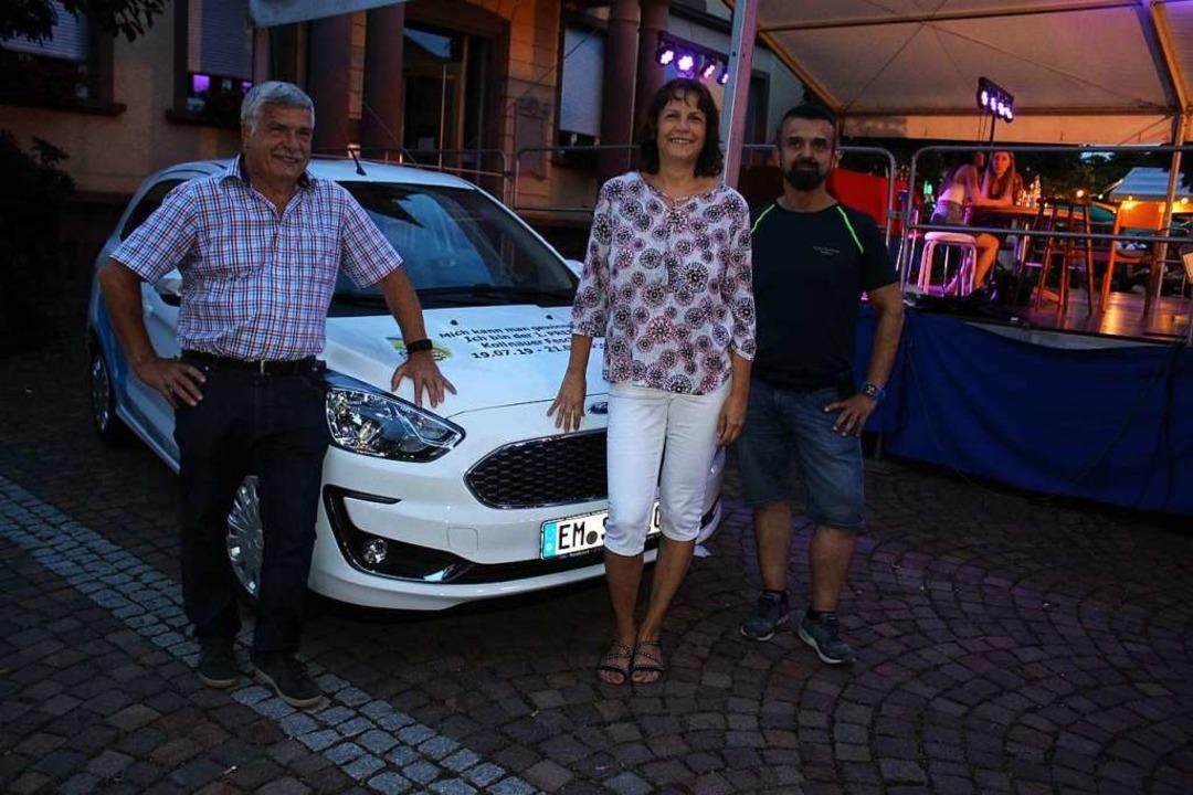 Den neuen Ford Ka+Trend hat Annette Se...sor war das Autohaus Schmid Waldkirch.  | Foto: Karin Heiß