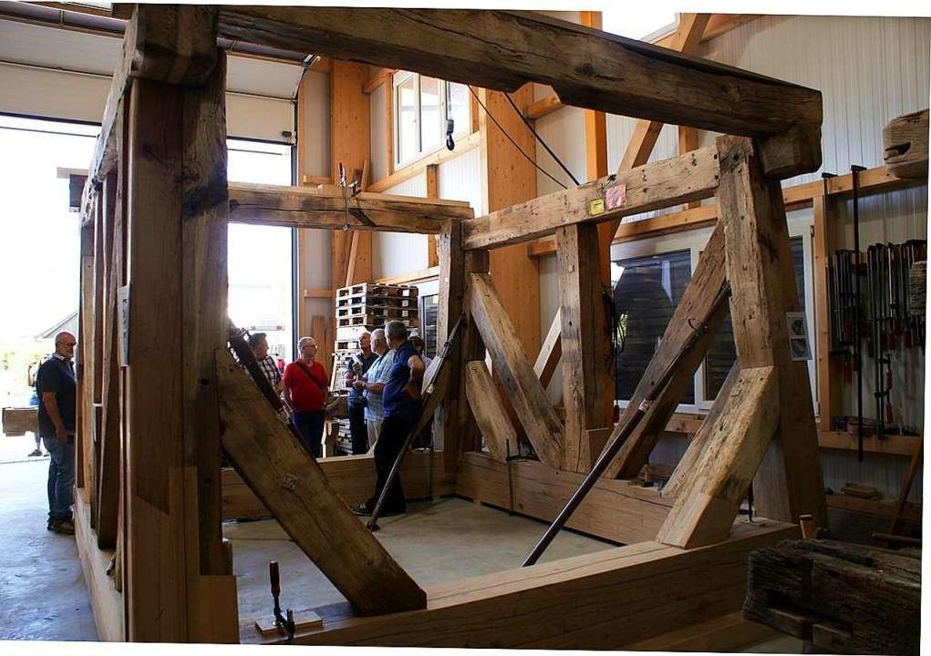 Gewaltig sieht alleine  das erste Stoc... des dreistöckigen Glockenstuhles aus.  | Foto: Julius Wilhelm Steckmeister