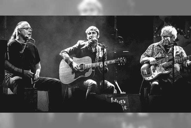 Flo Bauer Acoustic Trio gibt Konzert im Gasthaus Krone in Tegernau