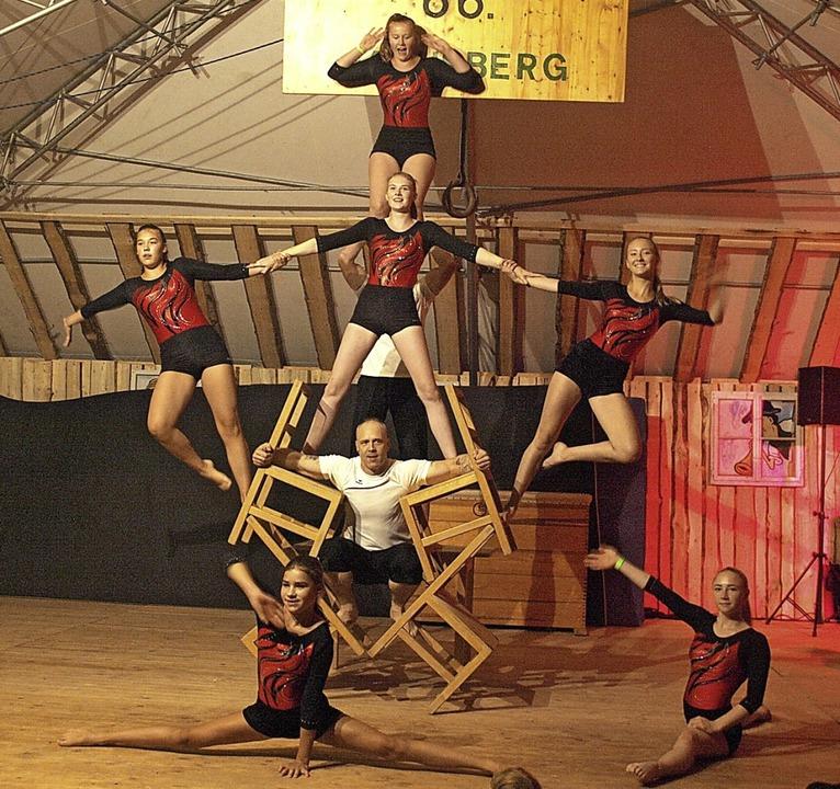 Auch das mittlerweile 66. Bergturnfest...fingen mit ausgefeilter Stuhlakrobatik  | Foto: Karin Stöckl-Steinebrunner