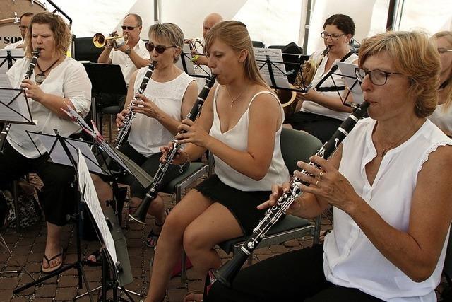 Musikvereine untermalen entspannte Geselligkeit