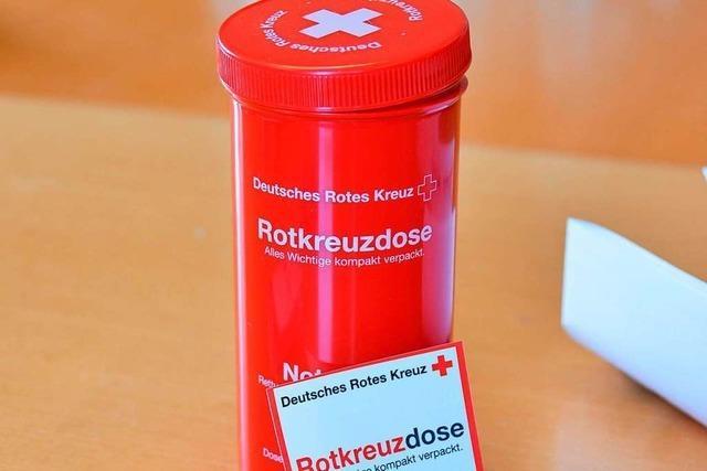Rotkreuzdose wird in Heitersheim verteilt - sie enthält Infos für Notfälle