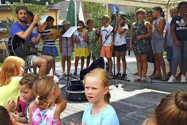 Gäste schätzen das Dorffest