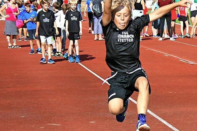 Spielerisch auf die Leichtathletik-Bahn führen