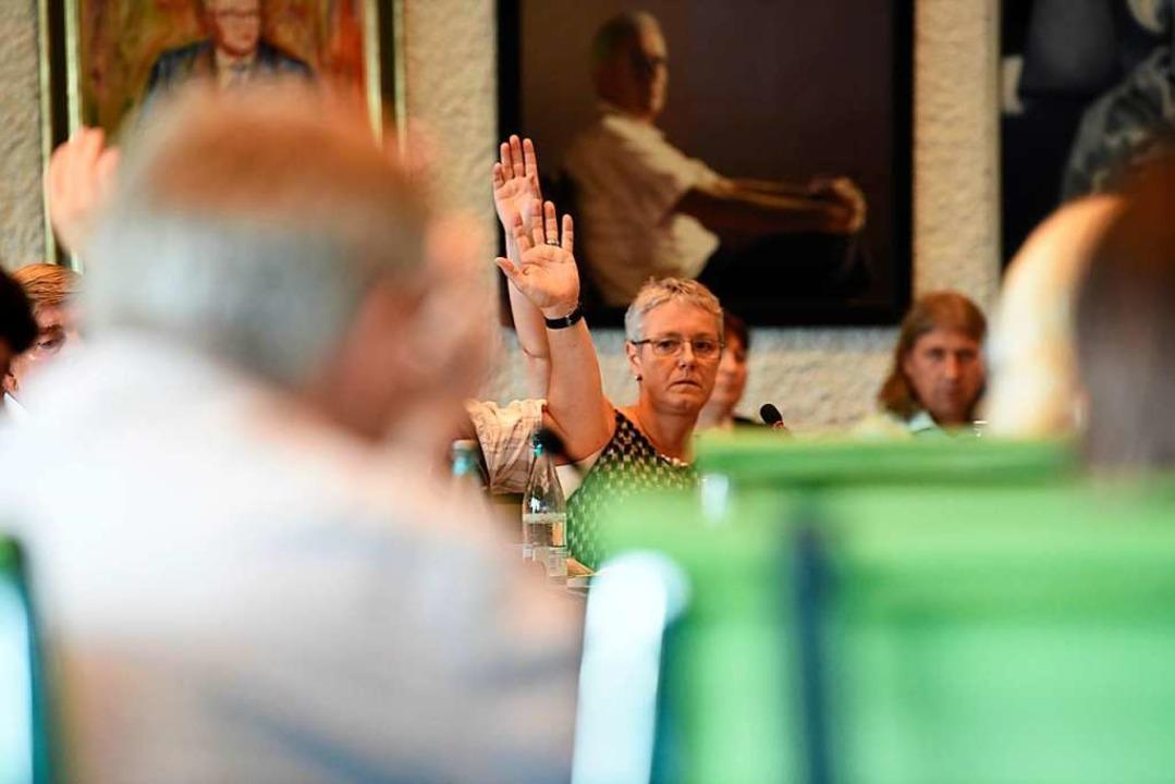 Die Arbeit im Gemeinderat folgt Regeln...ionierenden Sitzen eine Rolle spielen.  | Foto: Jonas Hirt