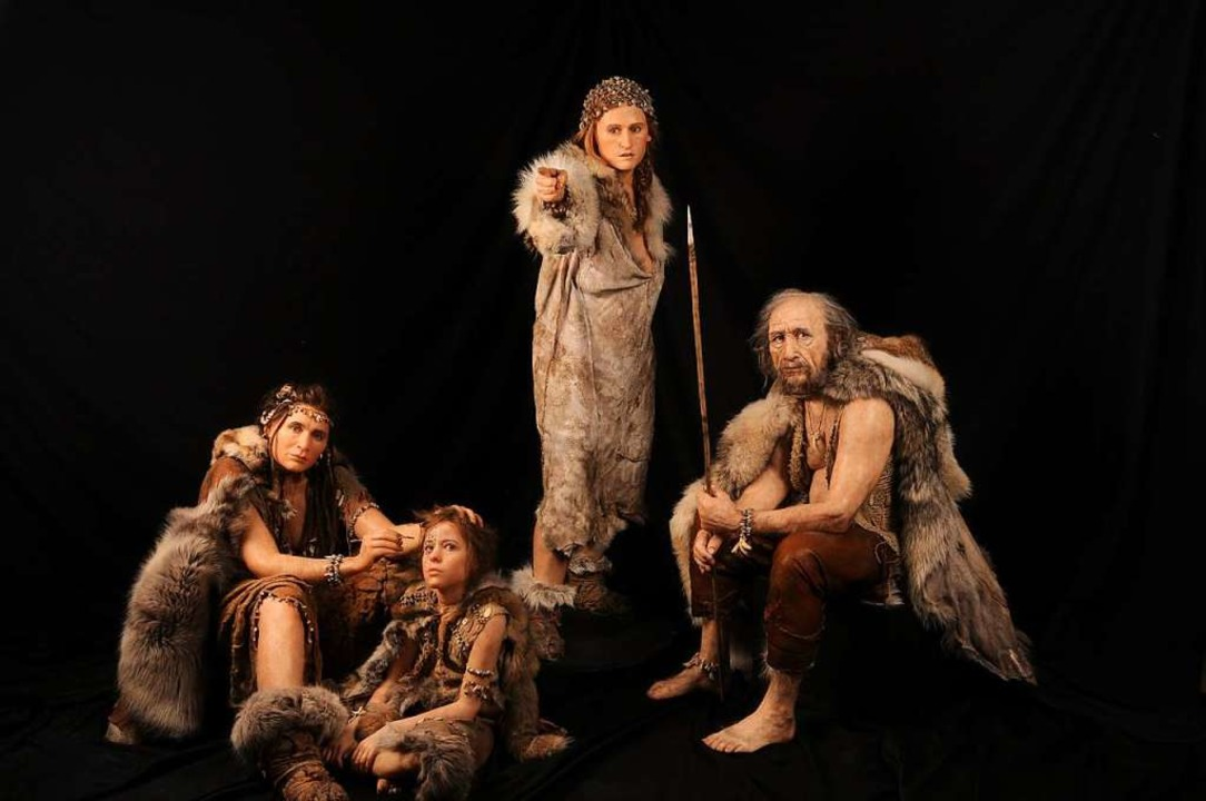 Urzeit-Familie aus der Lascaux-Ausstel...altenen Höhlenmalereien in Frankreich.  | Foto: SC Exhibitions, Skulpturen von Elisabeth Daynes