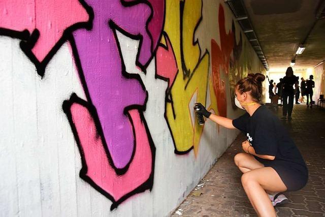 Bei einem Workshop in Gundelfingen lernen Jugendliche, worauf es bei Graffitis ankommt