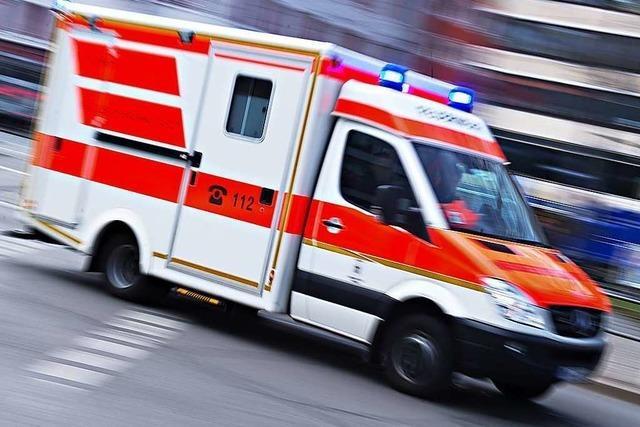 Kind nach Fenstersturz lebensgefährlich verletzt