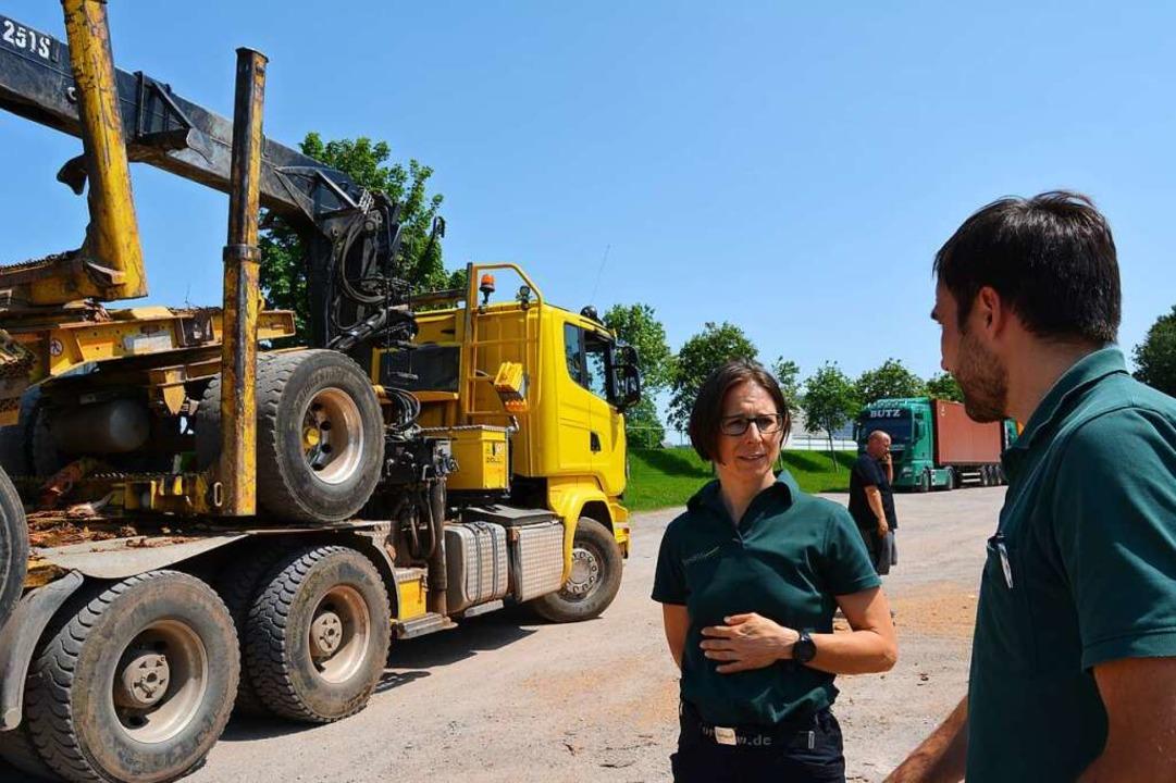 Susanne Dreher-Zähringer und Ludwig Sm...r die Container-Transporte nach China.  | Foto: Arwen Stock