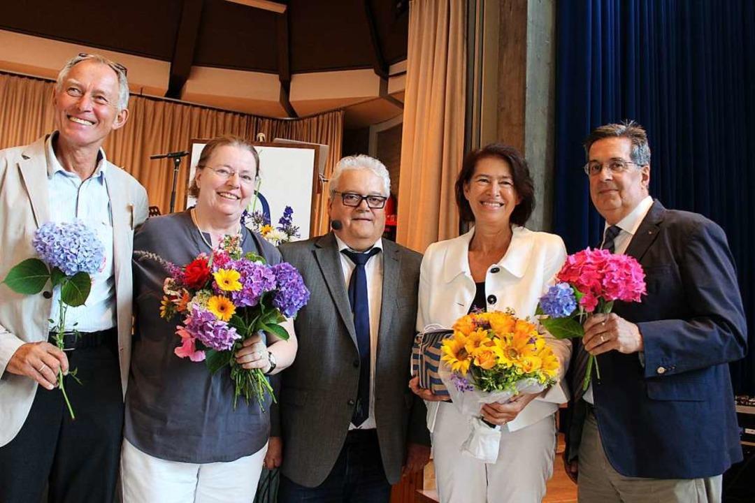 Schulleiter Bernhard Moser (Mitte) dan...Sölch und Stephen Amador (von links).   | Foto: Erich Krieger