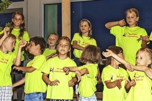 Kinder singen frei und ohne Noten