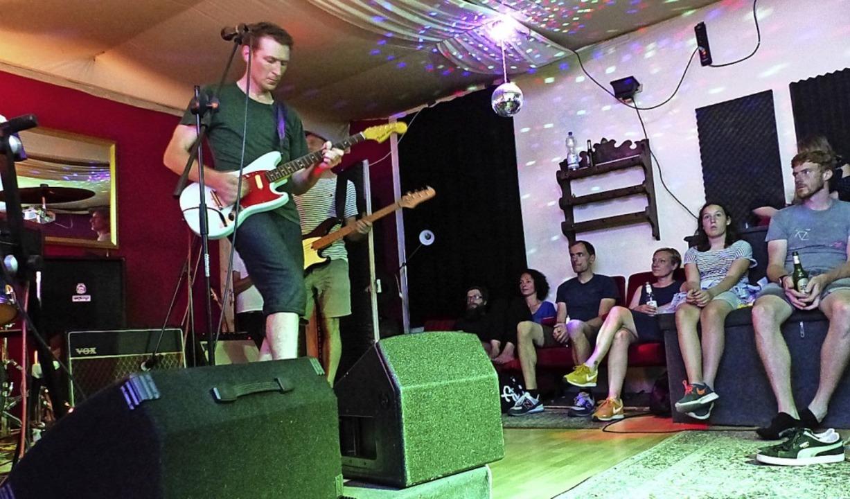 Musik in der Klimperstube – den ...ffenen Bühne wird bereits nachgedacht.  | Foto: Claudia Bachmann-Goronzy