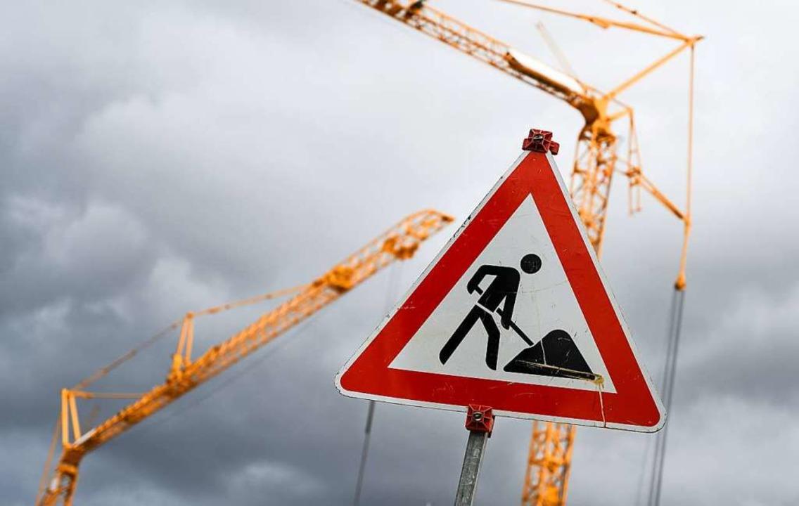 Achtung Baustelle: Der Kirchzartener G...s im Neubaugebiet am Kurhaus entsteht.  | Foto: Cindy Riechau (dpa)