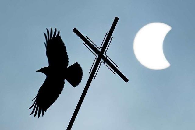 Ein Kardinalsdarsteller ohne Kreuz ist nicht der Untergang des Abendlandes