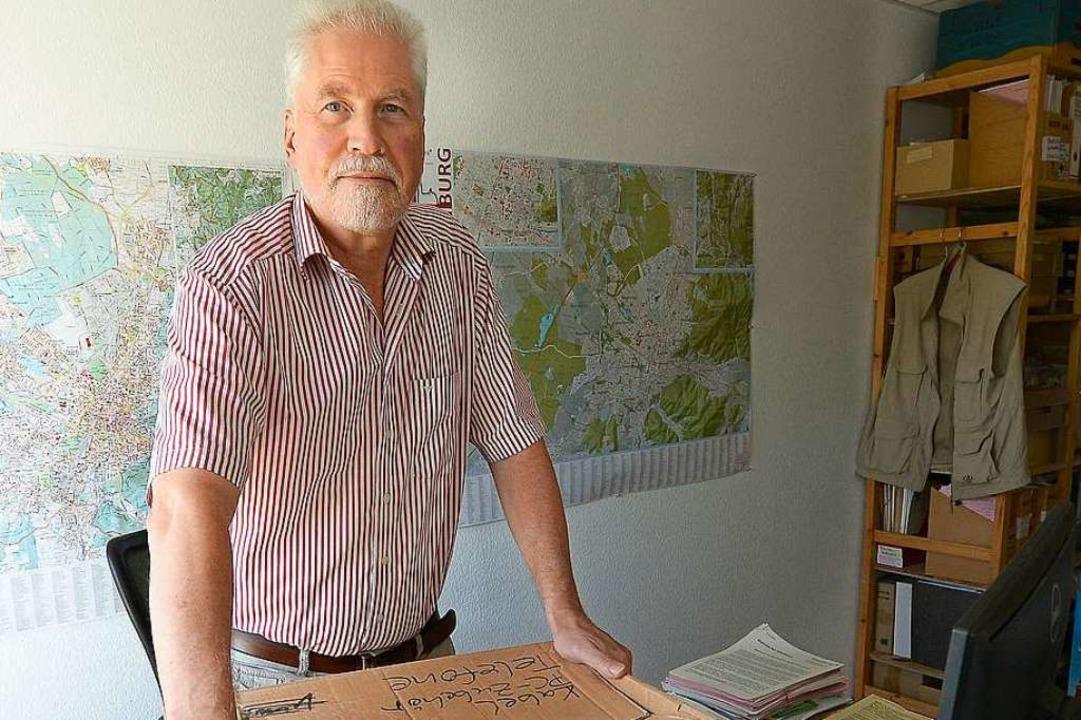 Packt die Kisten: Eckart Friebis hat die drei Jahrzehnte voll gemacht.  | Foto: Ingo Schneider