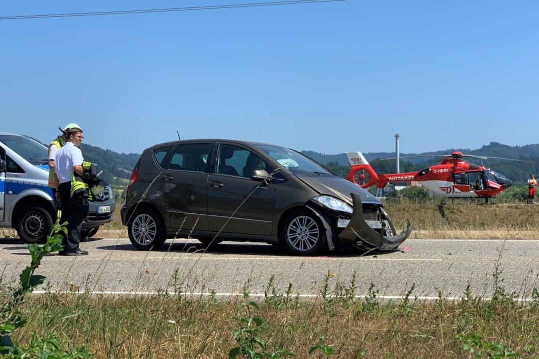 Mit leichten Verletzungen kam laut Polizei die Fahrerin eines Mercedes davon.    Foto: Helmut Seller