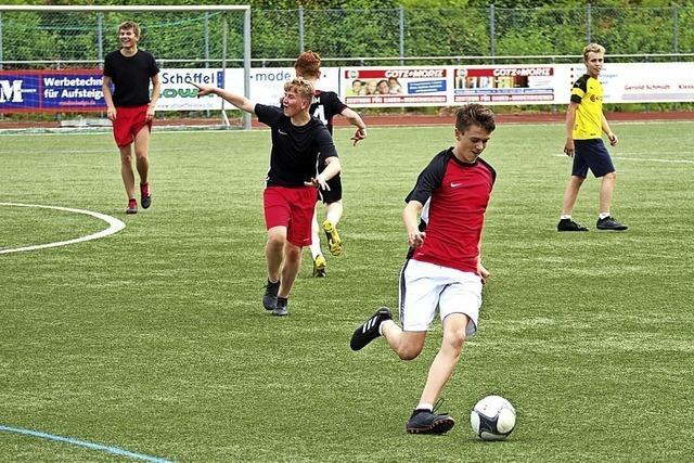 Schüler und Lehrer auf Punktejagd in Schönau