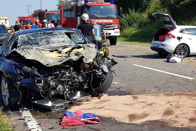Frau nach schwerem Unfall auf der B31 bei Löffingen gestorben