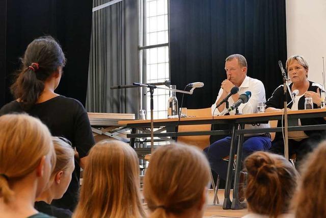 Kultusministerin Susanne Eisenmann stellt sich in Lörrach der Diskussion mit Jugendlichen