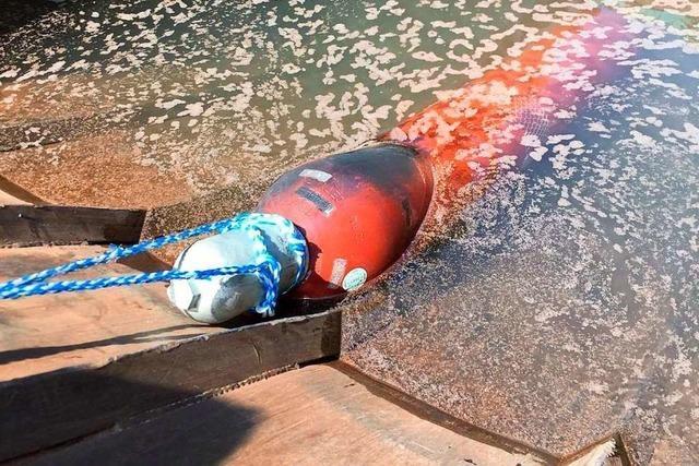 Gefahr einer Explosion wegen Gasflaschenbrand