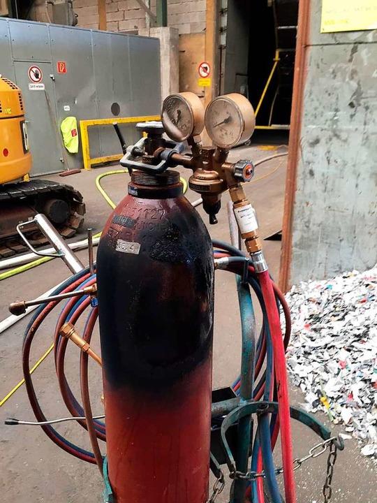 Bei dieser Acetylengasflasche gab es b...eim einen sogenannten Flammrückschlag.  | Foto: Feuerwehr Gottenheim