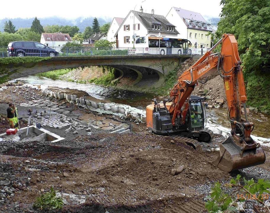 Am Pegel Freiburg-Ebnet wird derzeit e...für Niedrig- und Mittelwasser gebaut.   | Foto: Regierungspräsidium Freiburg