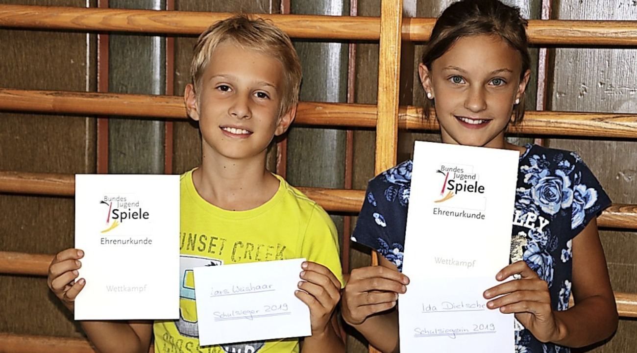 Ida Dietsche und Lars Weishaar sind Sc... den diesjährigen Bundesjugendspielen.  | Foto: Martha Weishaar