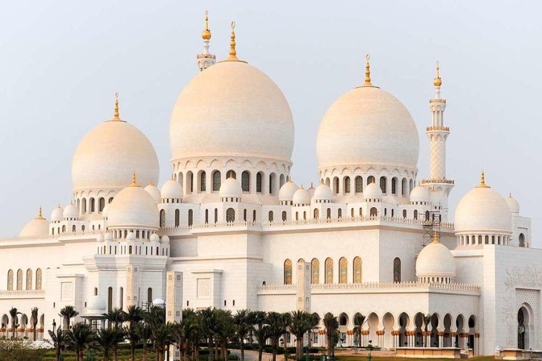 Prachtvoll: die Scheich-Zayed-Moschee in Abu Dhabi  | Foto: Department of Culture and Tourism