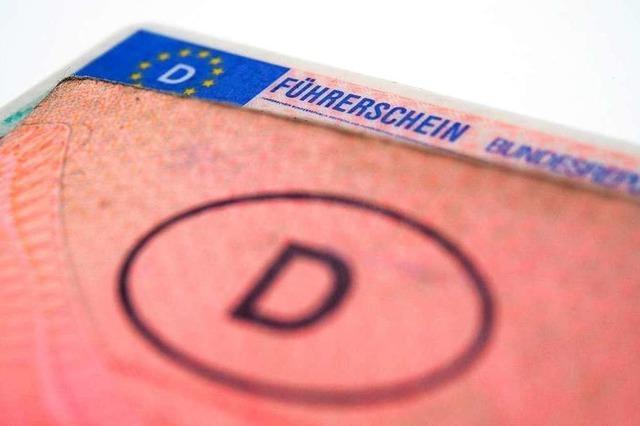 Polizei erkennt Mann ohne Führerschein am Steuer wieder