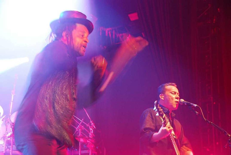 Die britische Reggae-Pop-Band UB40 gas...ion Festival im elsässischem Sélestat.  | Foto: Elena Goldbach