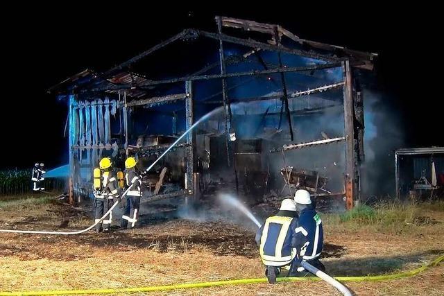 Polizei nimmt Verdächtigen in Scheunen-Brandserie vorläufig fest