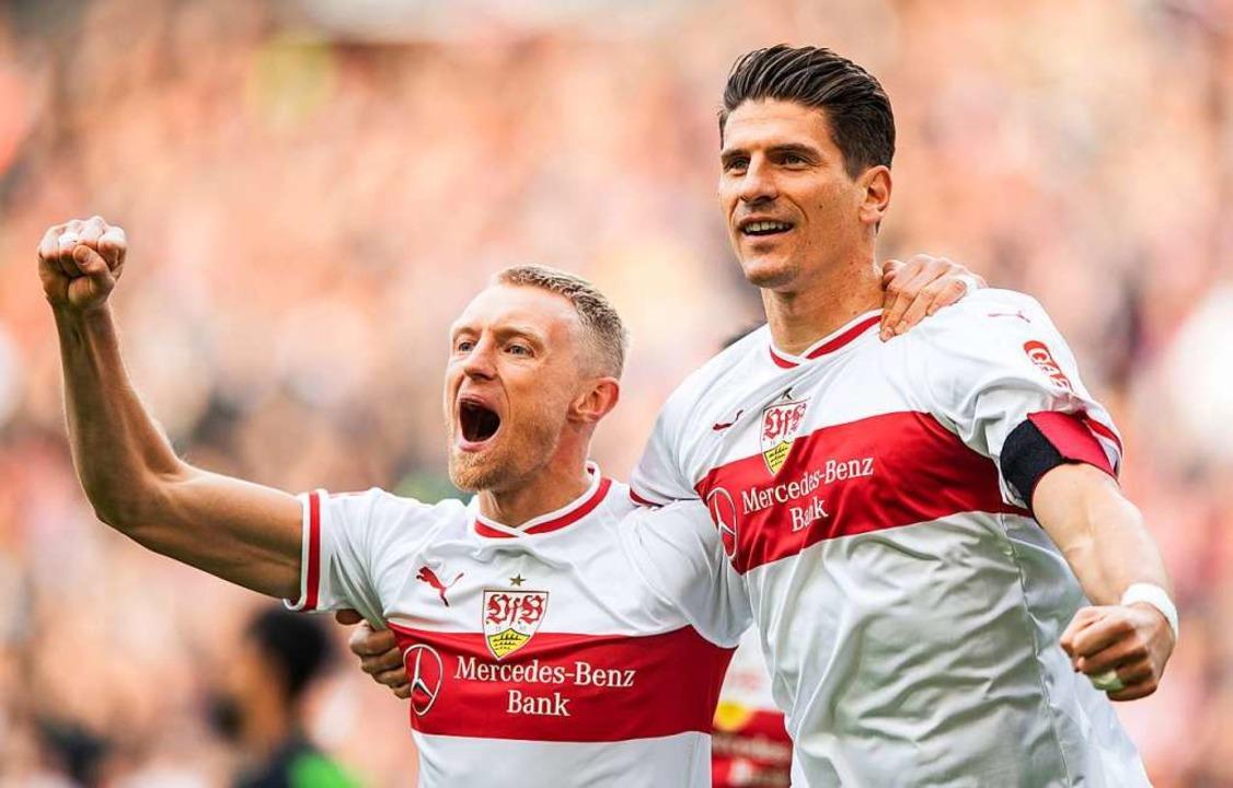 Mario Gomez nach seinem 1:0 gegen Hann...nde der vergangenen Bundesliga-Saison.  | Foto: Fabian Sommer