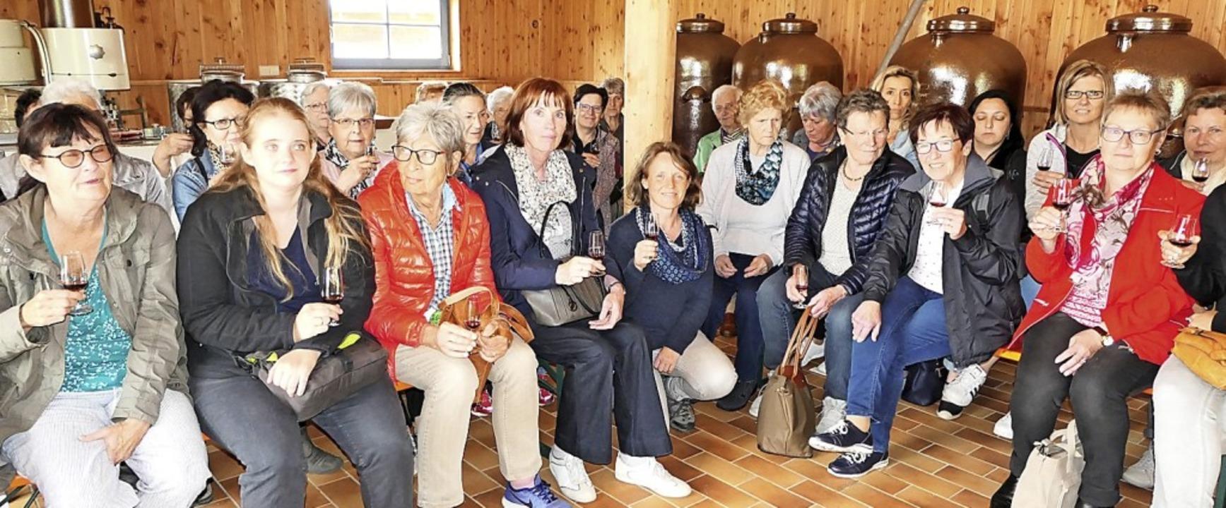 <BZ-FotoAnlauf>Frauenverein Hasel: </B...uf>Gesellige Verkostung in Schönenbach  | Foto: Frauenverein