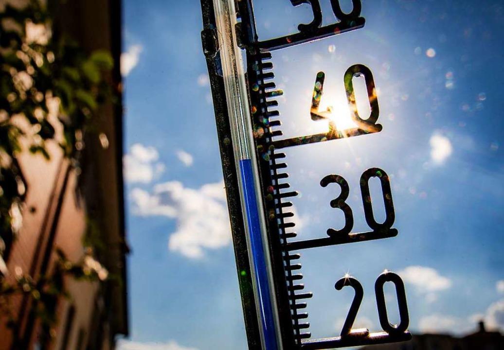 Drei Tage mit mehr als 40 Grad – das gab es noch nie.  | Foto: Frank Rumpenhorst (dpa)