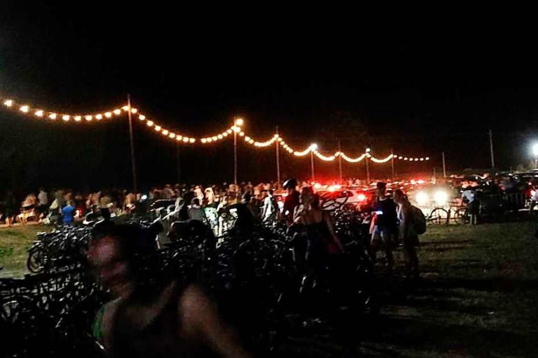 Ende eines Konzertabends: Alle müssen runter vom ZMF-Gelände.  | Foto: Anika Maldacker